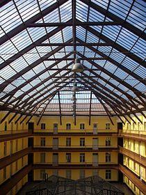 Guise familistere palais social pavillon central interieur